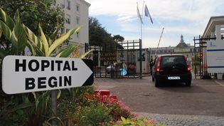L'entrée de l'hôpital militaire Bégin, à Paris, le 19 septembre 2014. (ONUR USTA / ANADOLU AGENCY / AFP)