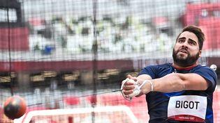 Quentin Bigot s'esthissé en finale du lancer du marteau grâce au 4e meilleur jet des qualifications, lundi 2 août. (BEN STANSALL / AFP)