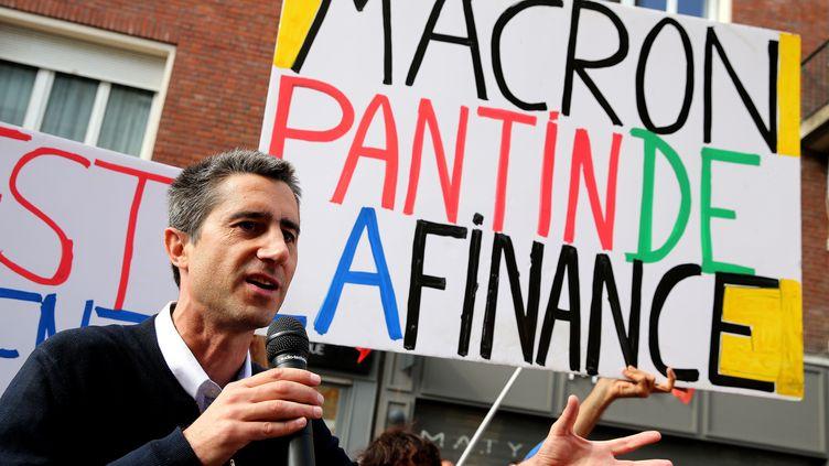Le député de La France insoumise François Ruffin, lors d'une manifestation contre la réforme du travail, le 3 octobre 2017 à Amiens (Somme). (FRANCOIS NASCIMBENI / AFP)