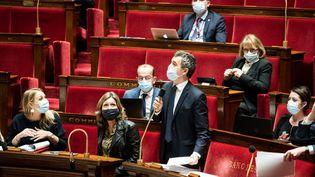 Le ministre de l'Intérieur Gérald Darmanin à l'Assemblée nationale, à Paris, le 18 novembre 2020. (XOSE BOUZAS / HANS LUCAS / AFP)
