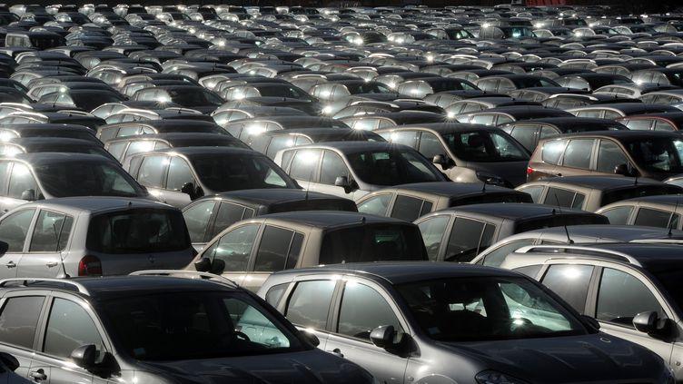 Les immatriculations de voitures neuves en France ont chuté de près de 14% en 2012 par rapport à 2011. (ERIC CABANIS / AFP)