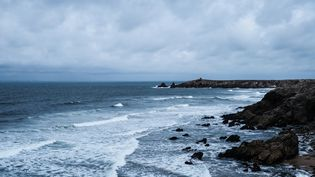 L'océan Atlantique sur la presqu'île de Quiberon (Morbihan), le 7 juillet 2021. (ANTOINE MERLET / HANS LUCAS / AFP)