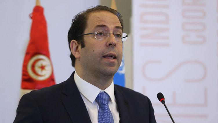Le Premier ministre tunisien, Youssef Chahed, donne une conférence de presse, le 5 juillet 2017, à Tunis. (YASSINE GAIDI / ANADOLU AGENCY / AFP)