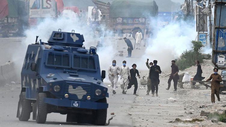 Des manifestations ont éclaté à Islamabad (Pakistan) le 13 avril 2021. (AAMIR QURESHI / AFP)