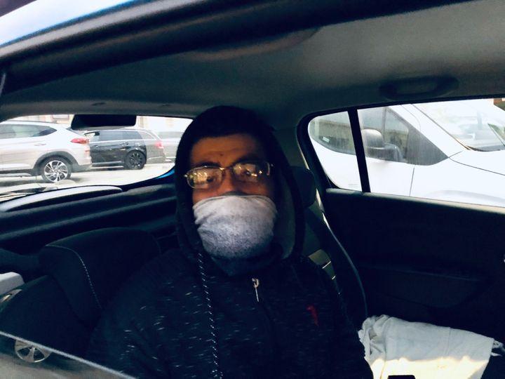 Jessie, un Mentonnais inquiet par l'expansion du coronavirus Covid-19 chez les voisins italiens, le 25 février 2020. (MATTHIEU MONDOLONI / FRANCEINFO)