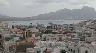 De plus en plus de guides et d'agences vantent les mérites du Cap-Vert. France 2 est partie à la découverte des trésors de cet archipel au large de l'Afrique. (France 2)