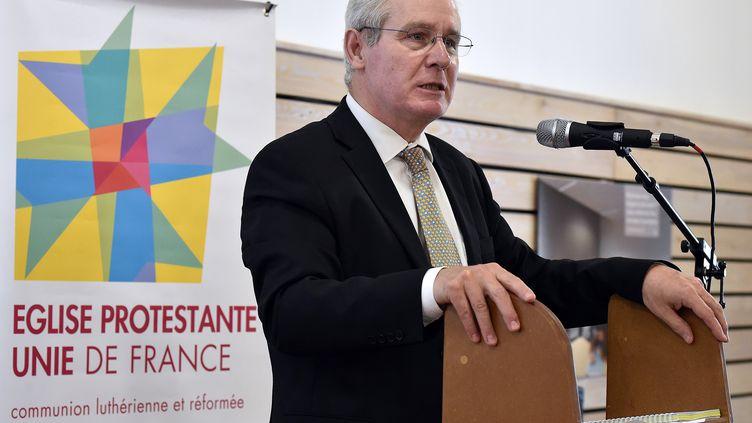 Le président de l'Eglise protestante unie Laurent Schlumberger lors d'un synode à Sète (Hérault), le 14 mai 2015. (PASCAL GUYOT / AFP)
