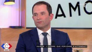 """Le candidat de la gauche à la présidentielle de 2017 Benoît Hamon, invité à l'émssion """"C à vous"""" surFrance 5 , le 14 février 2117 (FRANCE 5)"""