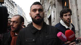 Eric Drouet à la sortie de sa garde à vue pour avoir organisé une manifestation non déclarée à Paris la veille, le 3 janvier 2019. (BERTRAND GUAY / AFP)