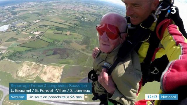 Débarquement : un vétéran américain saute en parachute à 96 ans