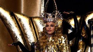 L'incroyable arrivée de Madonna, sur son trône  (WIN MCNAMEE / GETTY IMAGES NORTH AMERICA / AFP)