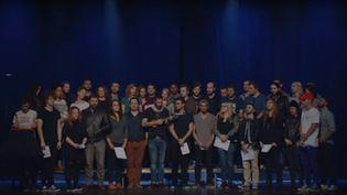 """Des artistes et des youtubeurs ont interprété """"Imagine"""" de John Lennon pour rendre hommage aux victimes des attentats du 13 novembre à Paris."""