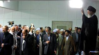 Photo officielle du Guide suprême iranien, l'ayatollah Ali Khamenei en meeting à Téhéran, le 29 mai 2011. (AFP PHOTO/HO/KHAMENEI.IR)