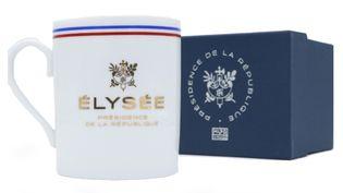 """Les premiers mugs proposés sur la boutique étaient estampillés à tort """"porcelaine de Limoges"""" (Capture d'écran boutique.elysee.fr)"""