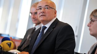 Le procureur de la République de Nantes, Pierre Sennès, lors d'une conférence de presse, à Clermont-Ferrand (Puy-de-Dôme), le 26 septembre 2013. (PHILIPPE THIERRY ZOCCOLAN / AFP)