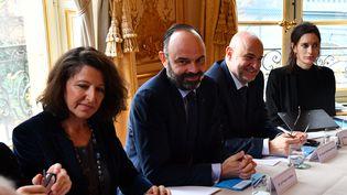 Le Premier ministre, Edouard Philippe, le 10 janvier 2020, à l'hôtel de Matignon (Paris), lors d'une rencontre avec les partenaires sociaux à propos de la réforme des retraites. (CHRISTOPHE ARCHAMBAULT / AFP)