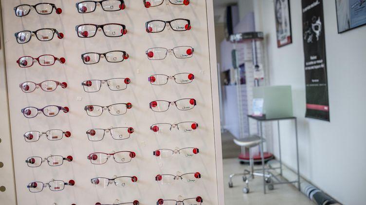 Une boutique de lunettes, le 17 septembre 2013. (Photo d'illustration) (MAXPPP)