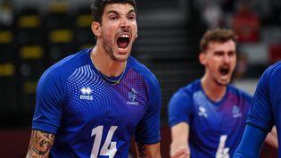 L'équipe de France de volley a réalisé l'exploit en éliminant la Pologne mardi 3 août, lors des quarts de finale. (YURI CORTEZ / AFP)