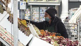 Le marché de la Piazza delle Erbe, à Padoue, en Italie, le 12 mars 2020. (ROBERTO SILVINO / NURPHOTO / AFP)