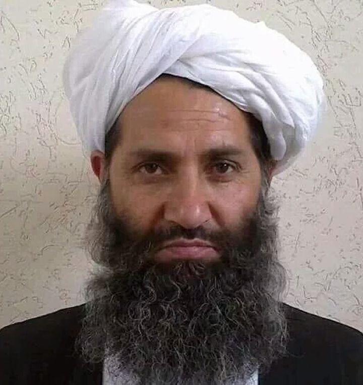 Une photographie non datée du chef des talibans, Haibatullah Akhundzada, publiée par le mouvement le 25 mai 2016. (STR / AFGHAN TALIBAN / AFP)