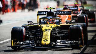 Le pilote français Esteban Ocon au volant d'une Renault lors du Grand Prix d'Italie le 5 septembre 2020. (ANTONIN VINCENT / DPPI MEDIA / AFP)