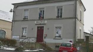 Le village de Mesves-sur-Loire (Nièvre), qui compte un peu plus de 700 habitants, se félicite de ce don qui équivaut à quatre fois son budget annuel. (FRANCE 2)