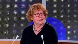 La dessinatrice franco-belge Florence Cestac était sur le plateau du 23 heures de franceinfo, lundi 8 mars. (FRANCEINFO)