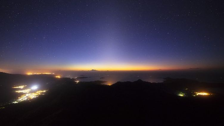 Le bruit a été entendu à Mayotte vers 21h30 lundi 18 février. (GABRIEL BARATHIEU / BIOSPHOTO / AFP)