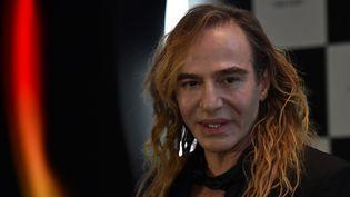 John Galliano à Moscou en mai 2014 lors d'une conférence de presse sur les cosmétiques de la marque L'Etoile  (KIRILL KUDRYAVTSEV)