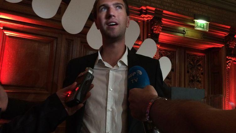 """Le mathématicien belge Adrien Deliège, à Paris, le 1er octobre 2015, lors de la compétition """"Ma thèse en 180 secondes"""". (KOCILA MAKDECHE / FRANCETV INFO)"""