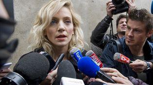 Marie Grimaud, avocate de l'association Innocence en danger, devant le tribunal de Riom (Puy-de-Dôme), lors du procès du meurtre de Fiona, le 16 novembre 2016. (THIERRY ZOCCOLAN / AFP)