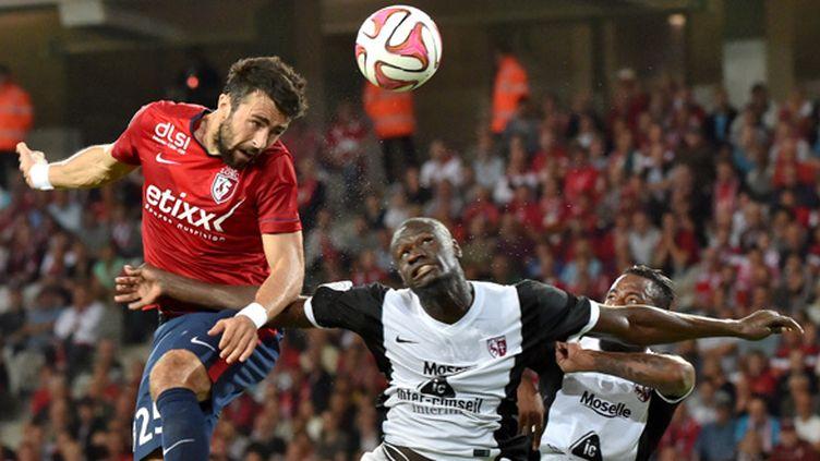 Après le FC Metz, Marko Basa et les Lillois retrouvent un nouveau promu, le Stade Malherbe de Caen. (PHILIPPE HUGUEN / AFP)