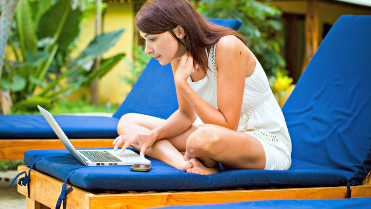 Pour surfer sur internet quand vous n'avez pas de réseau, apprenez à convertir votre smartphone en modem. (GETTY IMAGES)
