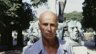 L'écrivain Gabriel Matzneff à Paris, le 13 août 1987. (SYLVA  MAUBEC / SYGMA / GETTY IMAGES)