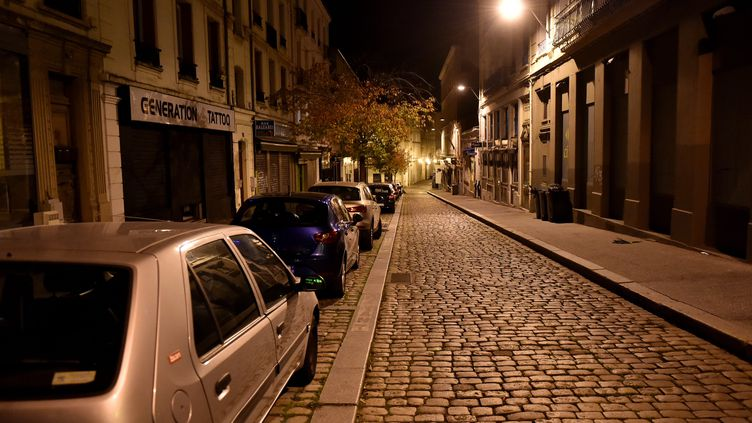 Une rue de Saint-Etienne (Loire) sous couvre-feu le 21 octobre 2020 (illustration) (R?MY PERRIN / MAXPPP)