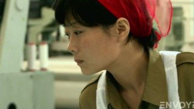 """Envoyé spécial. VIDEO. """"Héroïne du travail"""" en Corée du Nord, ou l'illusion d'un régime parfait"""