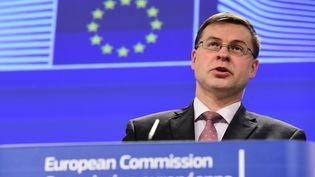 Le vice-président de la Commission européenne, Valdis Dombrovskis, le 18 février 2015, à Bruxelles (Belgique). (EMMANUEL DUNAND / AFP)