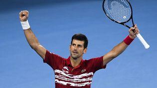 Novak Djokovic vainqueur avec l'équipe de Serbie de la première édition de l'ATP Cup en janvier 2020.  (WILLIAM WEST / AFP)