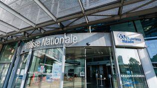 Le siège de la Caisse nationale d'Assurance-maladie, à Paris, en septembre 2020. (VOISIN / PHANIE / AFP)