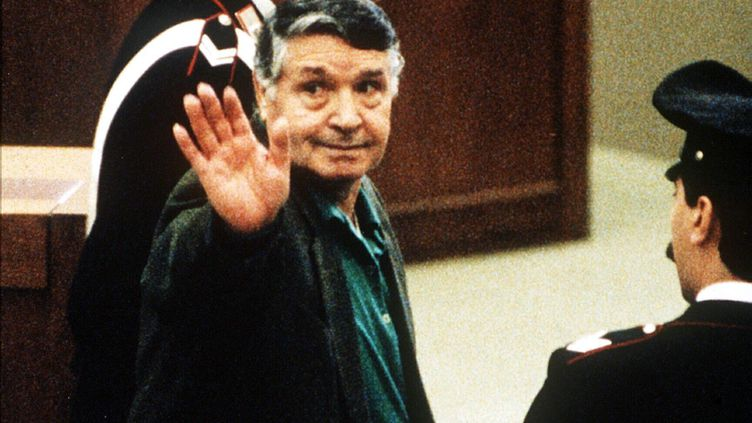 """Salvatore """"Toto"""" Riina, le parrain de la mafia sicilienne, à Palerme (Italie) en 1993. (AFP)"""