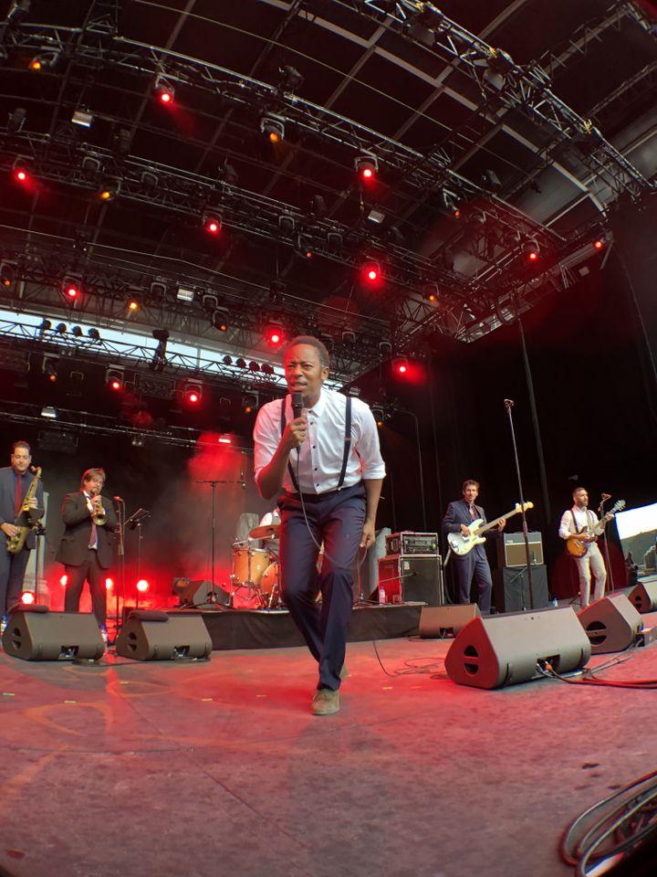 JP Bimeni sur la scène de Fourvière (Lyon) le 6 juillet (Jean-François Convert)