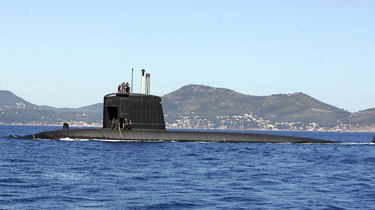 Le sous-marin Perle naviguant au large de Toulon (photo d'illustration). (MAXPPP)
