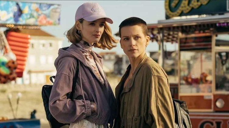 """Charlotte Le Bon etVeerle Baetens forment un duo crédible dans la série """"Cheyenne et Lola"""". (OCS)"""