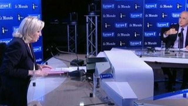 """Marine Le Pen juge que son père """"ne doit plus pouvoir parler au nom du FN"""""""