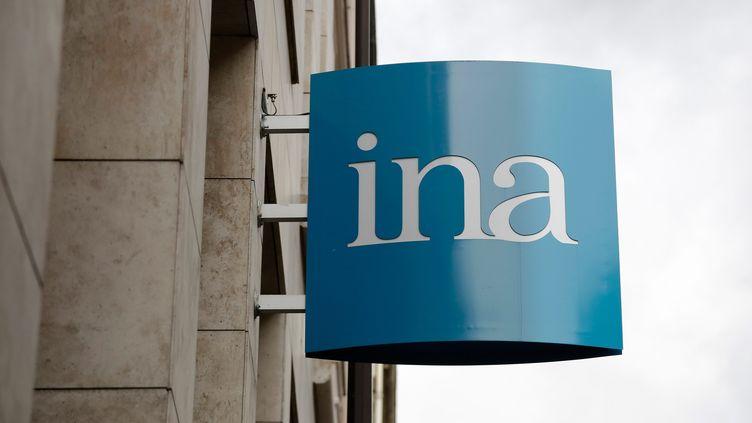 Le logo de l'Institut national de l'audiovisuel à Paris (Ina), le 9 avril 2013. (  MAXPPP.)