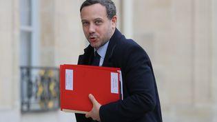Le secrétaire d'Etat chargé de la Protection de l'enfance Adrien Taquet à l'Elysée, le 15 janvier 2020. (LUDOVIC MARIN / AFP)