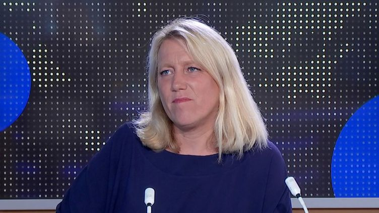 """Covid-19 : """"favorable"""" à la vaccination, la conseillère LFI de Paris Danielle Simonnet soutient ceux qui """"manifestent contre le pass sanitaire"""". (FRANCEINFO)"""