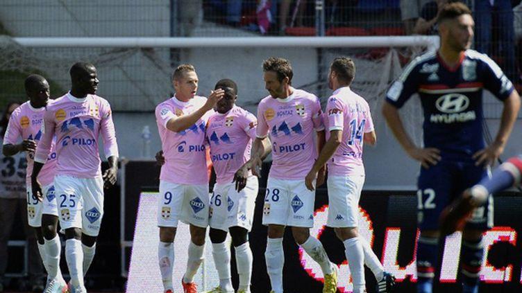 La joie des jouuers d'Evian face à Lyon (JEFF PACHOUD / AFP)