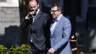 Luc Lemonnier, le maire du Havre, le 20 mai 2017, aux côtés d'Edouard Philippe, le Premier ministre et ancien maire de la ville. (CHARLY TRIBALLEAU / AFP)
