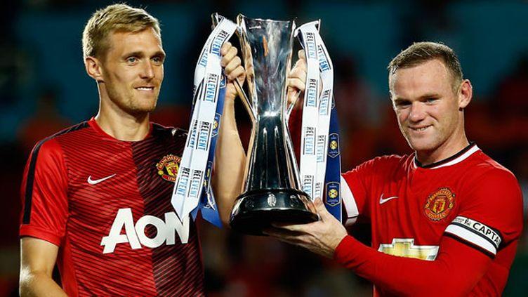 Les deux nouveaux capitaines de ManU, Wayne Rooney et son second Darren Fletcher